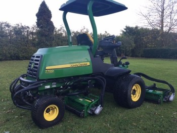 JOHN DEERE 7700 FAIRWAY RIDE ON MOWER