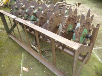RANSOMES SLITTER WITH WEIGHT