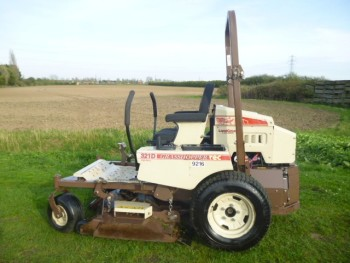 GRASSHOPPER ZERO TURN 321D MOWER