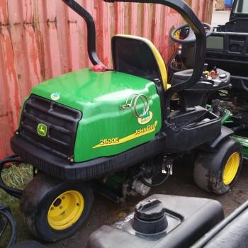 John Deere 2500E mower