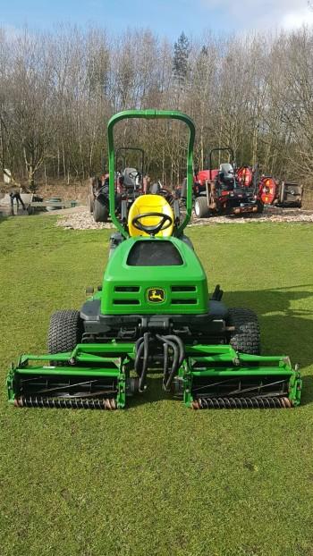 John Deere 2653B mower