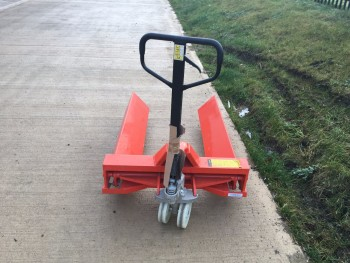 Reel hand pallet truck , 2000kg lift capacity , Pick up reels up to 900mm