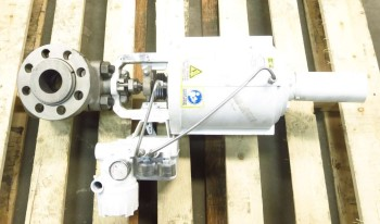 FLOWSERVE 2 IN STAINLESS PNEUMATIC FLANGED CONTROL VALVE