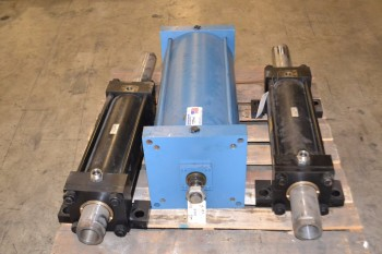 LOT OF 3 DOUBLE ACTING CYLINDERS, 2 PNEUMATIC CYLINDERS, 1 HYDRAULIC CYLINDER