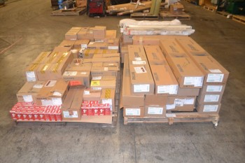 4 PALLETS OF ASSORTED LIGHTING