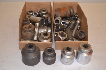 LOT OF ASSORTED SOCKETS 3/16-2-3/16