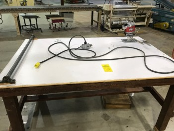 Fabrication Manual Finishing Table