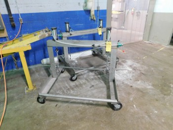 2 Stainless Steel Lifting  Devices