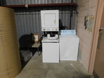 Washer Dryer Set   and 1 Single wahser