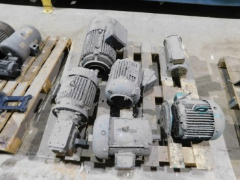 Pallet of 6 Electric Motors
