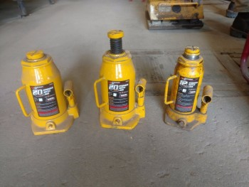 Hydraulic bottle jacks  2- 20 ton, 1-12 ton