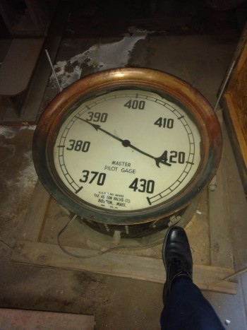 Pressure gauge, double sided