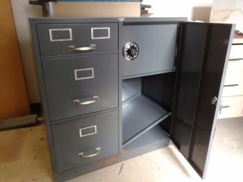 Filing cabinet w. safe