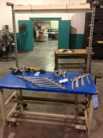 Steel adjustable roller table w/ light
