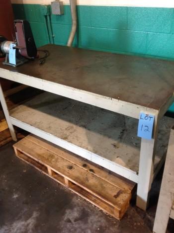 Steel table 5\'x 2.5\' w/ 1/2\