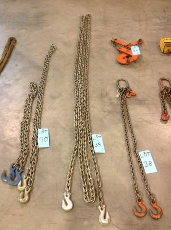 Single Chain Approx 32' Long w/ hooks