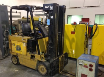 5,000LB Cap. Caterpillar Electric Fork lift, Model M-500, Side shift, 3 staged mast w/ Pluskota electric charger model SDR18-90