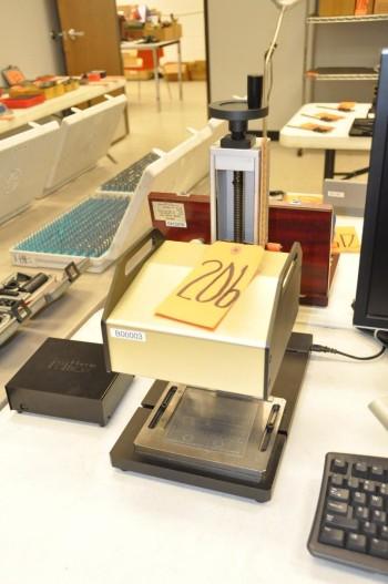 MARKIN BOX Pin Marker