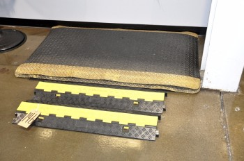 Lot-Rubber Floor Mats and Wire Mold
