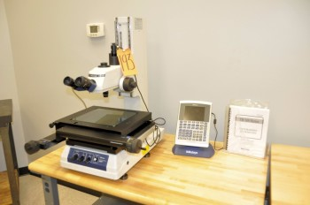 MITUTOYO TM-500 Series Toolmaker\'s Microscope