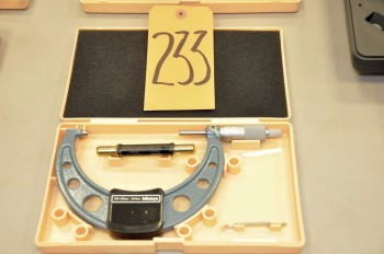 MITUTOYO 100 - 125mm Micrometer