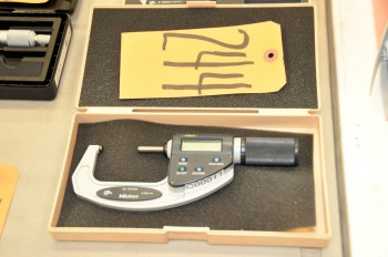 MITUTOYO 25 - 50mm Micrometer