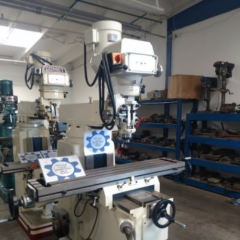 New Mighty Comet Model 4 KVHD Vertical Mill