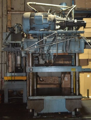 Modern 450 Ton Hydraulic 4-Post Press
