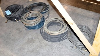 Lot-Air Hose Under (1) Table
