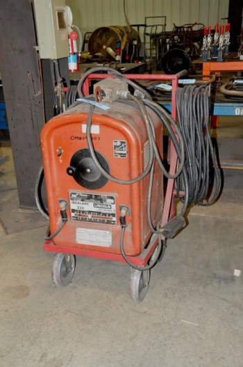 LINCOLN MODEL 250-250, 250-Amp Capacity Arc Welder, S/N AC-639425