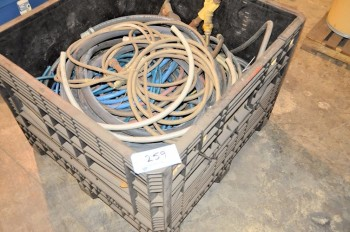 Lot-Air Hose in (1) Tub