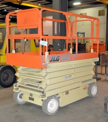 JLG MODEL 2646E2, 4,200-LB x 26' Max Height Capacity, Electric Manlift Platform