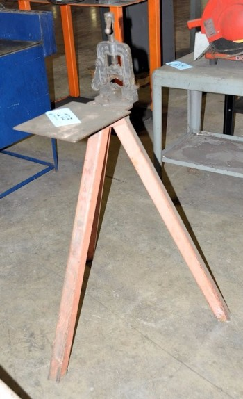 Pipe Vise with Stand