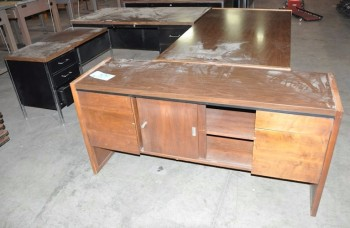 Lot-(2) Desks with (1) Credenza