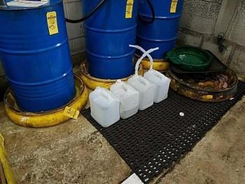 Four barrel dump stations