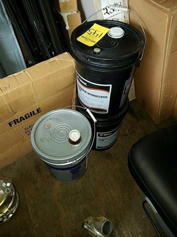 3 5 gallon buckets of hydraulic fluid
