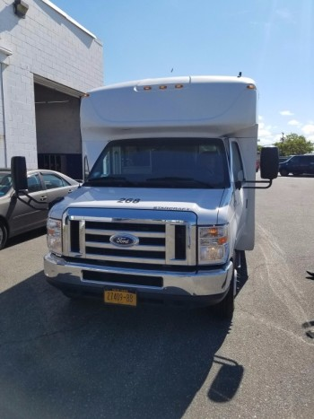 Bus 268 2014 Ford E 450 Super Duty