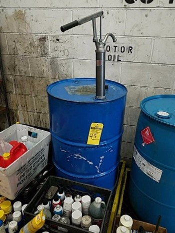 55 gallon fluid drum including pump does not