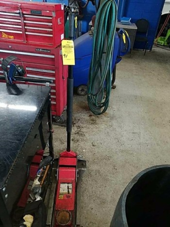 Mac eight and a half ton floor jack