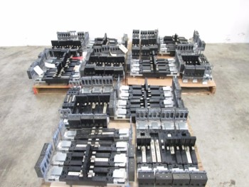 3 PALLETS OF ASSORTED GE SPECTRA SERIES CIRCUIT BREAKER MODULES