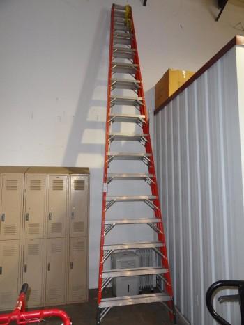 Green Bull 20\' fiberglass ladder