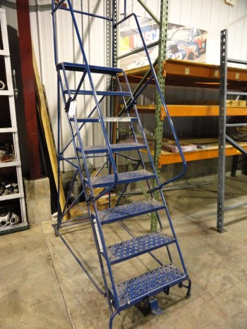 7\'  Louisville Brand Warehouse Ladder-300 lb capacity