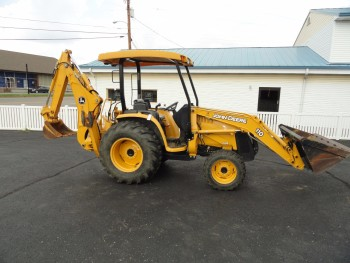 John Deere 110 Backhoe & Loader 4 x 4 drive-564 hours-Premier Condition