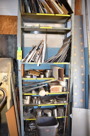LOT - Metal w/ Shelf