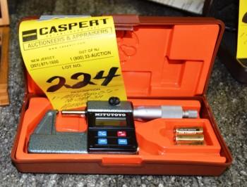 Mitutoyo 0-1 No 393-311 Micrometer