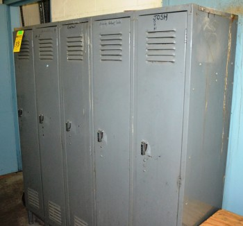 LOT - Metal Lockers - 12 Sections