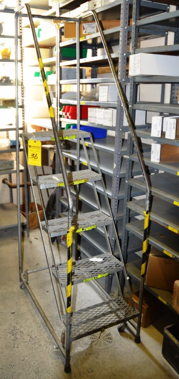 5 FT Stock Ladder