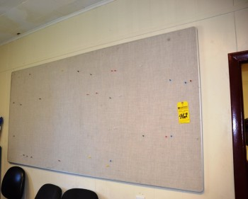 LOT - Panel and White Pin up Board