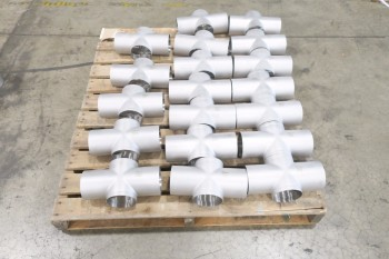 1 PALLET OF 4IN 4-WAY PICOR FOOD GRADE PIPE FITTINGS, SCH 5S, 304SS