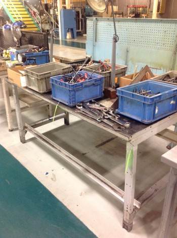 Lot of (2) Metal work Benches 3\'x6\' & 2.5\'x6\' 34\